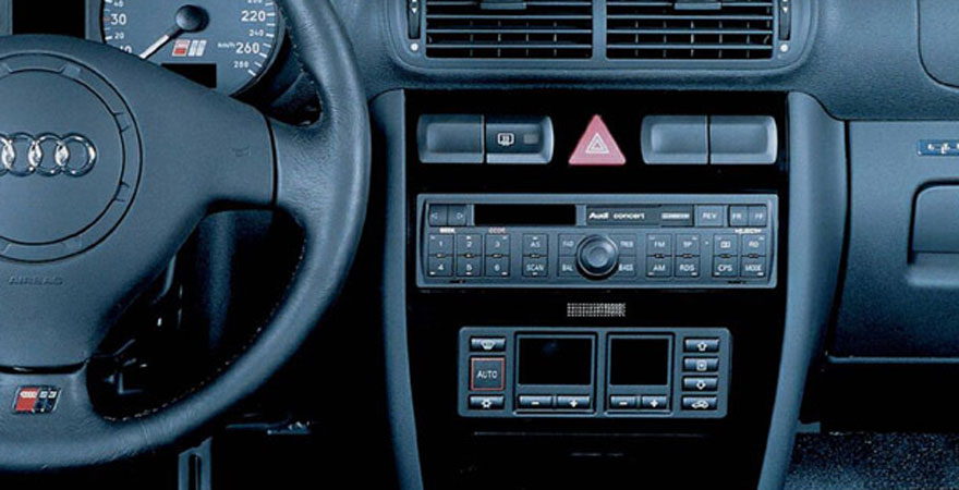 Audi a3 1996 2000 r di be p t szett 1 din for Mueble 2 din audi a3