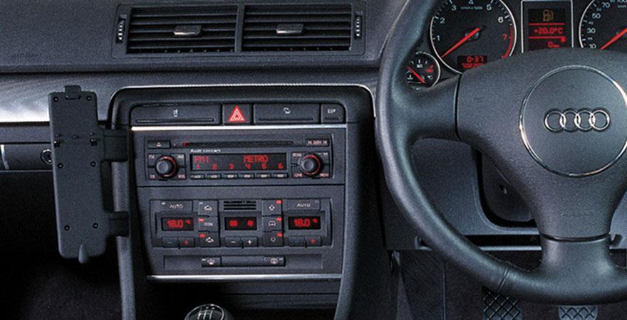 Audi a4 b6 2 din r di keret for Mueble 2 din audi a4 b6