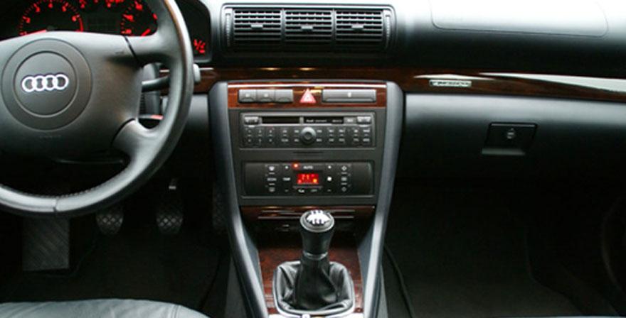 Audi A4, 1 DIN (1999-2001)