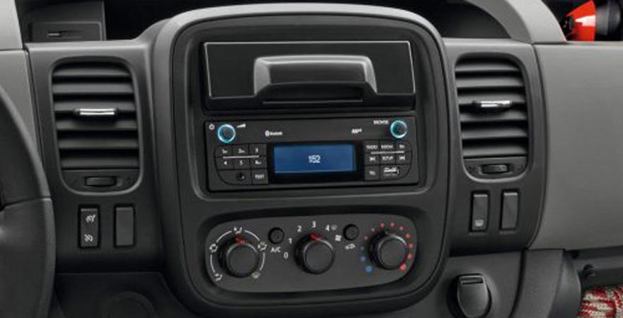 Renault Trafic, 1 DIN (2014-)